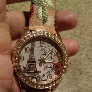 NEW WOMAN'S PARIS WATCH